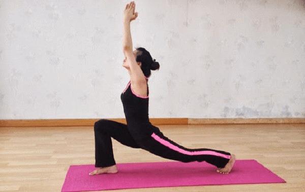 dong-tac-yoga-ho-tro-tang-chieu-cao