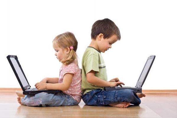 kiểm soát máy tính ở trẻ nhỏ
