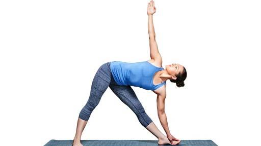 Tư thế tam giác là động tác yoga giúp tăng chiều cao hiệu quả