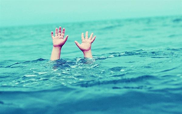 Bơi tự do cũng là lựa chọn phù hợp để cải thiện chiều cao