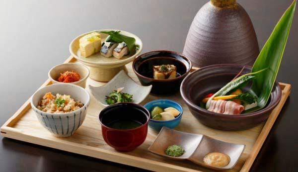 Người Nhật đã áp dụng chế độ ăn của phương tây để cải thiện chiều cao