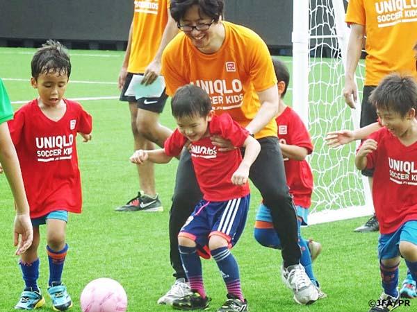Khuyến khích trẻ em Nhật Bản chơi thể thao để tăng chiều cao